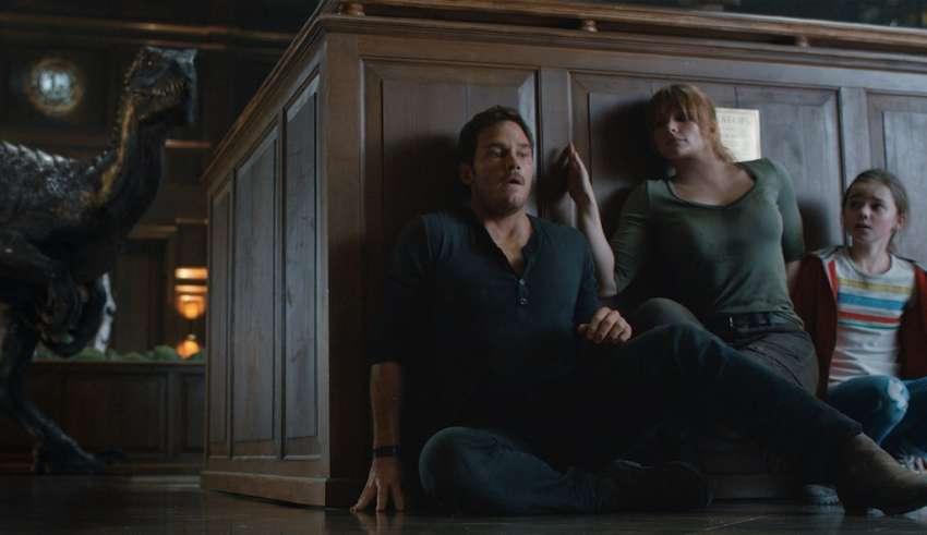 (L-R) Chris Pratt, Bryce Dallas Howard, and Isabella Sermon star in Universal Pictures' JURASSIC WORLD: FALLEN KINGDOM