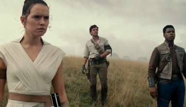 (L-r) Daisy Ridley, Oscar Isaac and John Boyega star in Walt Disney's STAR WARS: THE RISE OF SKYWALKER